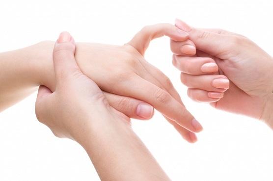 kuidas ravida valu sormede liigestes kaes