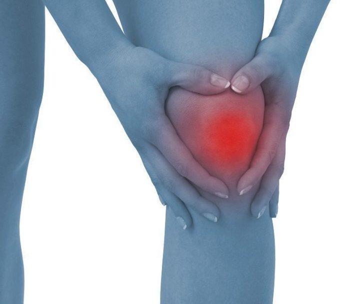 naine valutab arthroosi blokaadi ravi