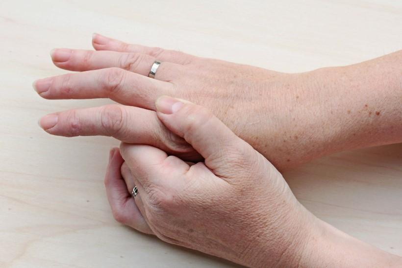 sailitab kuunarnukid haiget valu liigeste geelis